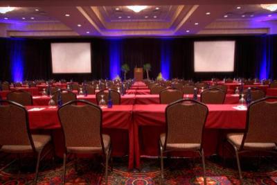 ballroom-large-meeting.jpg