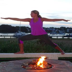 yoga-holly.jpg