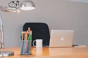empty_desk_b.jpg