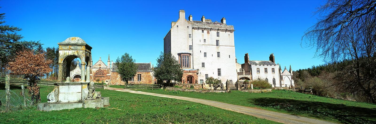 Delgatie-Castle.jpg