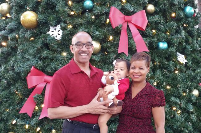 Ken-Sharon-Maia-Christmas-2016-02.jpg