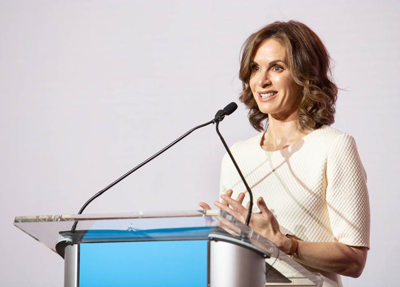 Elizabeth Vargas, recipient of the Fountain House Award for Excellence in Broadcast Journalism